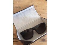 Gucci Sunglasses - GG1075/S