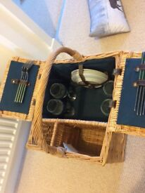 Unused picnic basket
