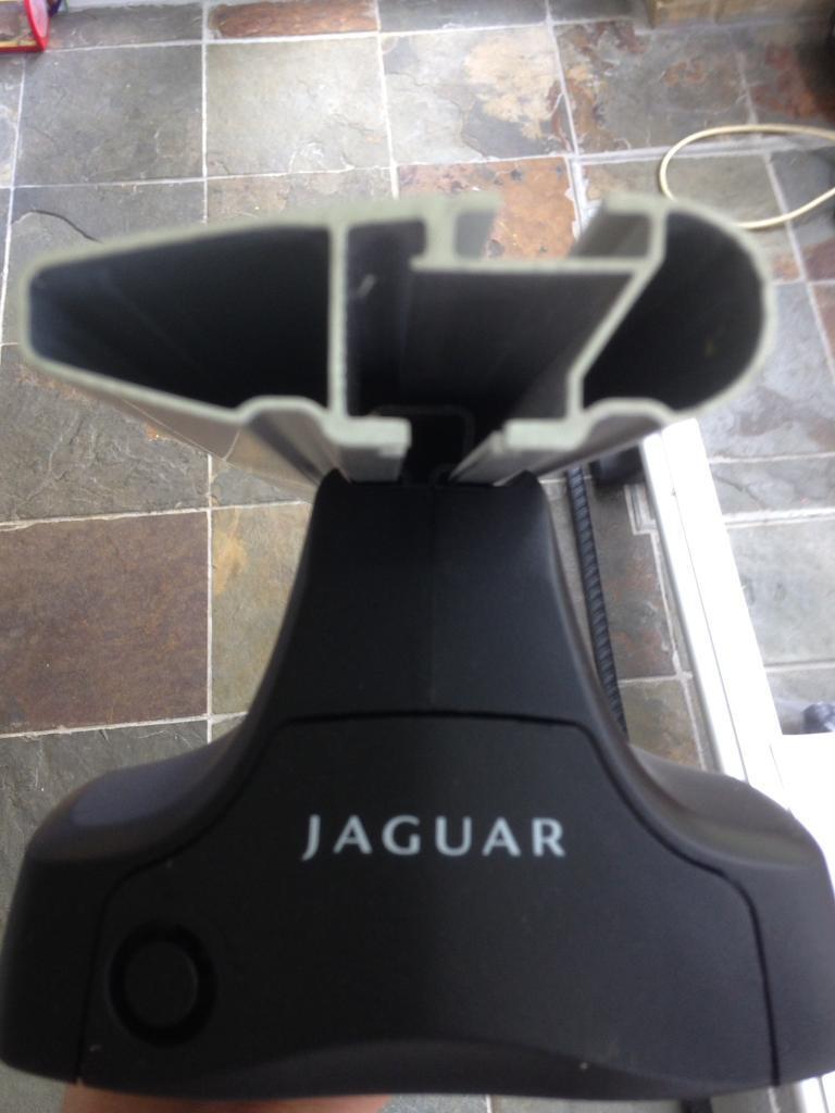 Jaguar Xf Genuine Roof Bars In Walnut Tree