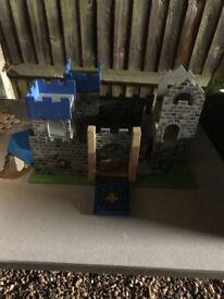 2x kids castles