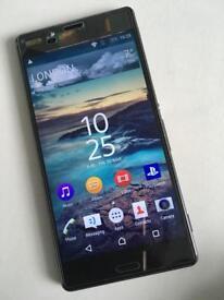Sony Ericsson Z3 broken screen.