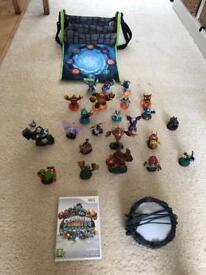 Wii Skylander bundle! Skylander Giants game, portal of power, 23 characters & bag