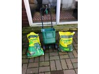 Evergreen 4&1 fertiliser and spreader full bag and some in other one