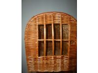 Handmade cat/small dog willow wicker carrier basket - New condition,large size
