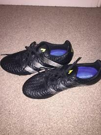 BRAND NEW Addidas Agility football boots