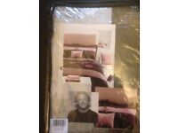JEFF BANKS SINGLE DUVET SET - PLUM - with embroidered pattern