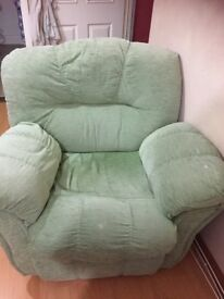 3+2 seater sofa for free from smoke and pet free house