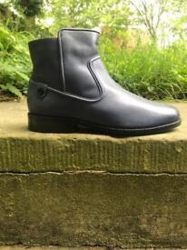Lacoste Baylen High Top Boot Dark Blue Size 4