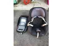 Maxi cosi car seat and iso fix base