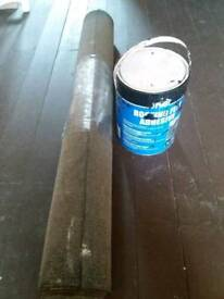 Roll of roofing felt and bitumen adhesive