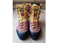 Scarpa Cumbre Mountaineering boots - size 39