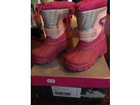 BNIB girls size 11 winter boots