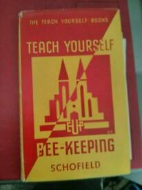 """Bee Keeping """"Teach Yourself Beekeeping"""". Schofield 1943"""