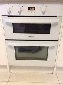 White built under double oven Hotpoint Cucina UH53W
