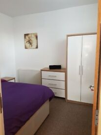 Beautiful double rooms to rent £100 deposit