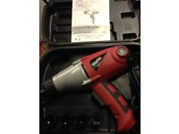 Nearly new used once Clarke CEW1000 electric impact wrench