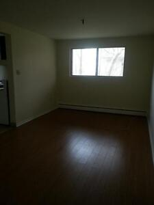 2 BDRM APT. DARTMOUTH WATERFRONT AVAILABLE OCT. 1ST DEC. 1ST