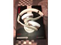 Beats on ear headphones - wired solo and wireless