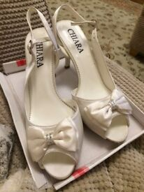 Ivory satin bridal shoes size 4