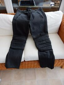 """Black Leather Motorcycle Trousers - 31-34"""" waist"""