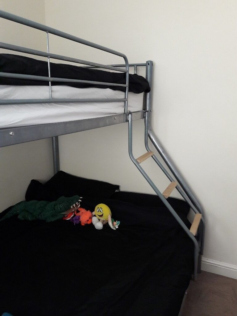 Metal Triple Bunk Beds Double At The Bottom Single At The Top
