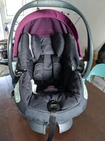 Stokke Izi Sleep Car Seat + Isofix Base