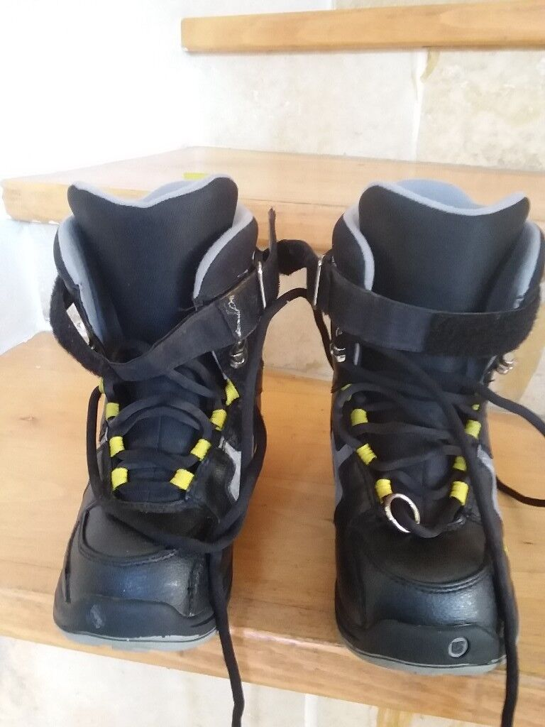 Snowboard boots size 3. Hardly worn