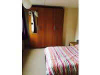 Large double bedroom in St Leonards