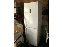 Bosch freestanding Fridge Freezer KGN34XW32G used only 2 years
