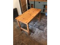 "Pine desk/table 21"" * 43"""