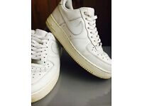 All white Nike Air men's trainer, size 8, £20 ovno
