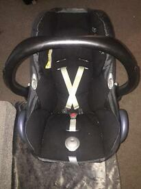 Maxi cosy car seat and base