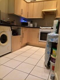 CLEAN AND BIG DOUBLE ROOM (COUPLES ACCEPTED)