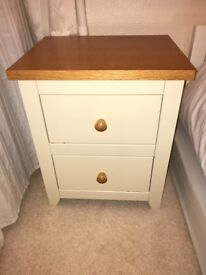 Immaculate Single bedside table, pick up from Harrogate HG1 or Leeds LS12
