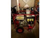 Petrol generator with wheels