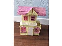 Shelley playhouse, playground & dolls (Barbie)