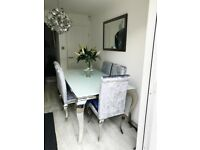 Morale Dining Room Table & 6 Chairs