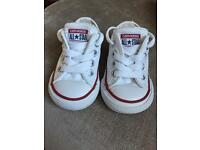 Infant white converse size UK 3