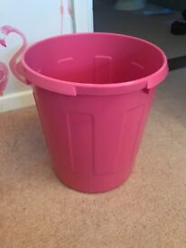 ❤️ Pink Plastic Bedroom Small Bin Girl ❤️