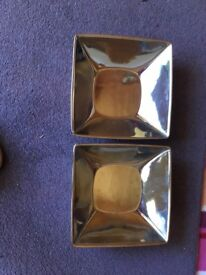 2 silver dishes