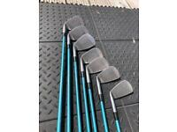 Wilson Pro Staff Mid Size irons ( golf clubs )
