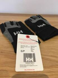Helly Hansen Short Sailing Gloves - small and medium available