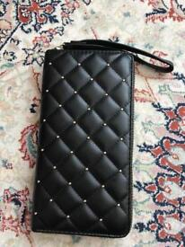 New purse can use iPhone 7 plus