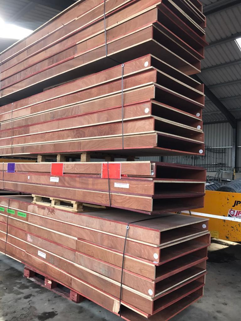 62 Shelves for racking uprights