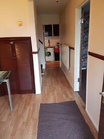 3 Bedroom House for Rent - 2 Spacious Living Rooms - Spacious kitchen Diner - £600 PCM
