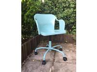 ***SOLD on 11/09/2017*** Metal Desk Chair 8-Adult Good working condition