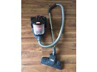 Vacuum cleaner (Vax)