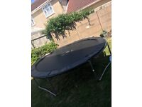!!£20 IF GONE TODAY!!! 10ft trampoline no rust perfect condition
