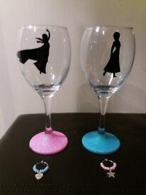 Frozen theme wine glasses