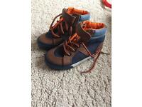 Boys trainer boots size 7